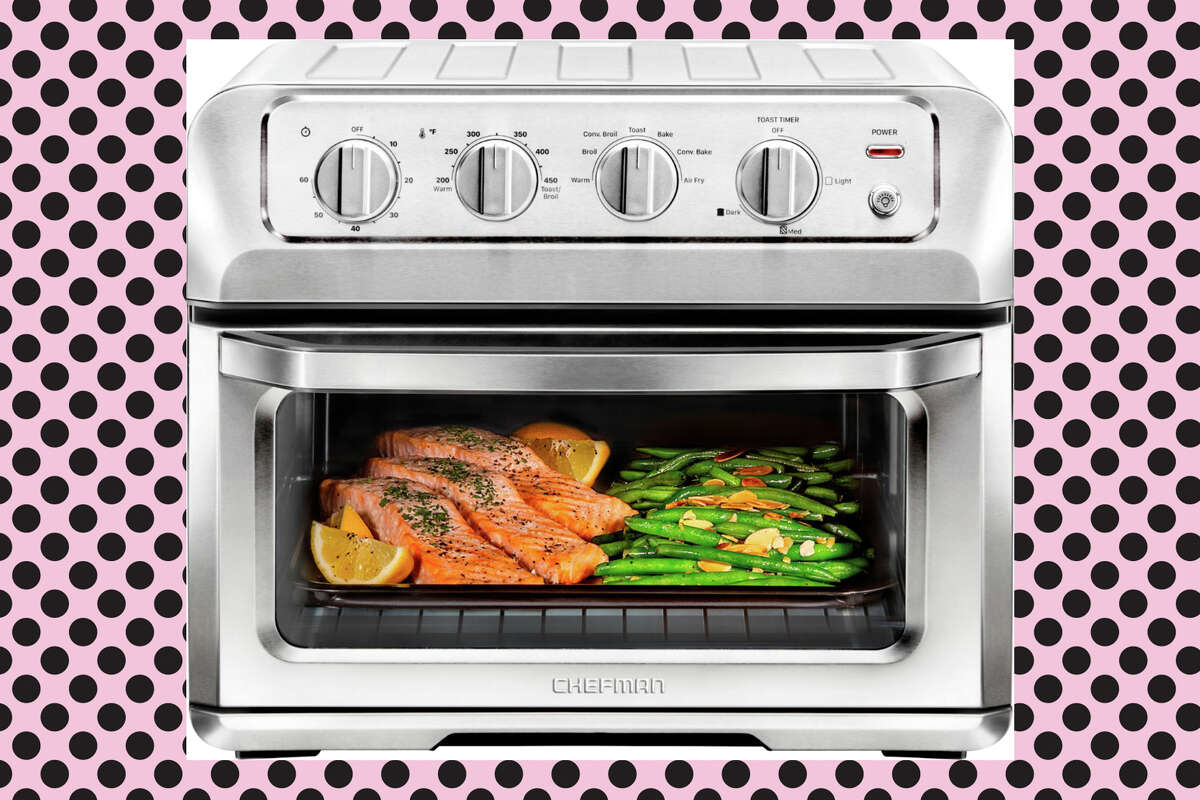 CHEFMAN Toast-Air 6-Slice Convection Toaster Oven + Air Fryer is such a steal for $89.99 at Best Buy
