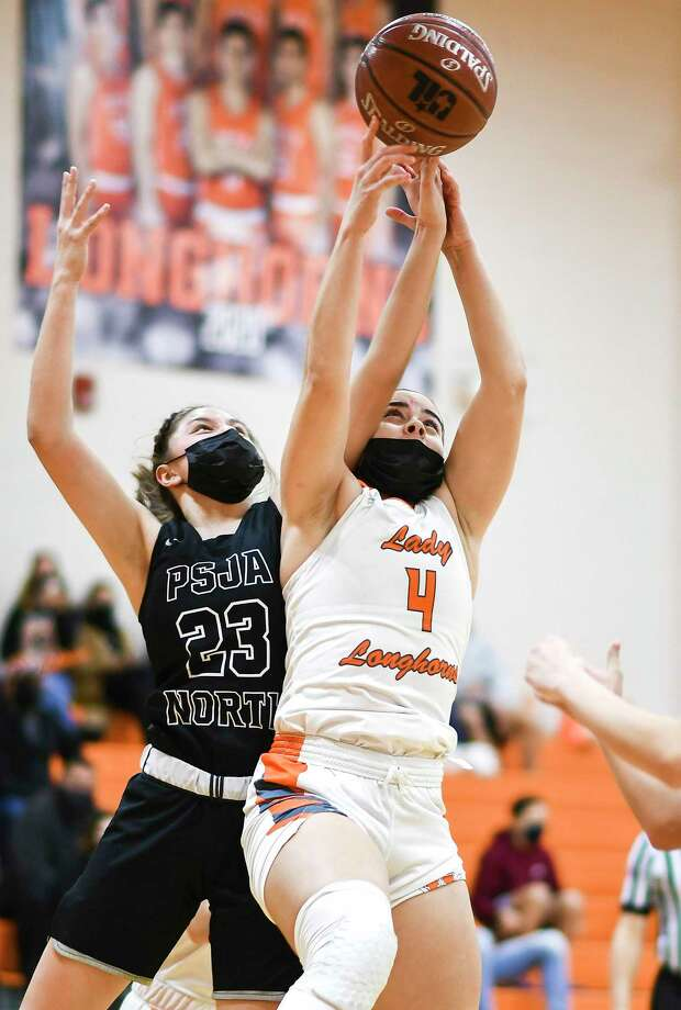 Evelyn Quiroz scored a team-high 16 points Wednesday as United beat PSJA North 70-55 at home to earn a sixth straight area title. Photo: Danny Zaragoza / Laredo Morning Times