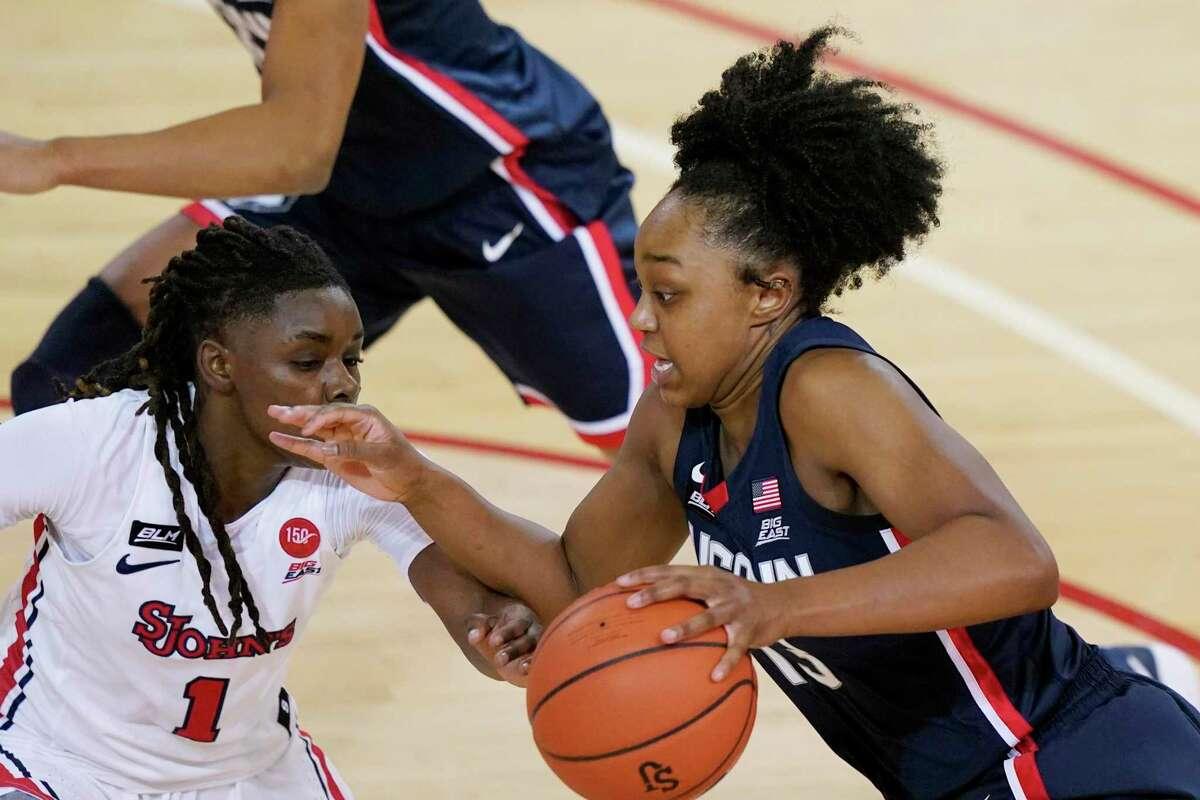 UConn's Christyn Williams scored 21 points in UConn's 77-32 win at St. John's on Wednesday.