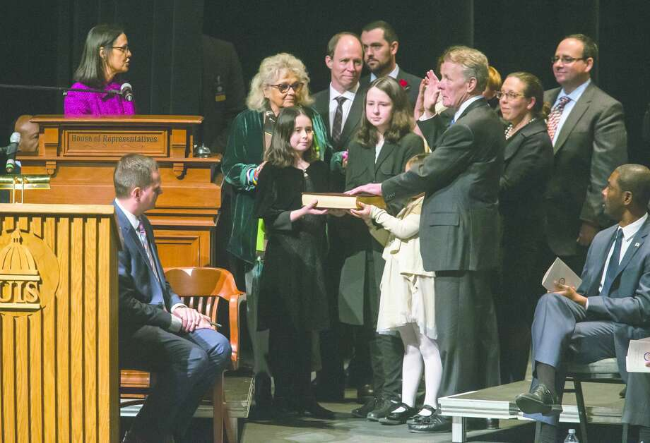 Then-Speaker of the House Michael Madigan is sworn in in 2019. Madigan, a Chicago Democrat who virtually set Illinois' political agenda as House speaker before he was ousted last month, announced Thursday that he is resigning his seat in the legislature. Photo: Justin L. Fowler | AP / 2019 The State Journal-Register