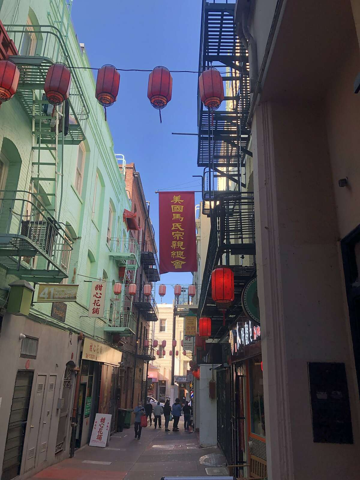 Scenes in Chinatown Stockton street and Ross alley