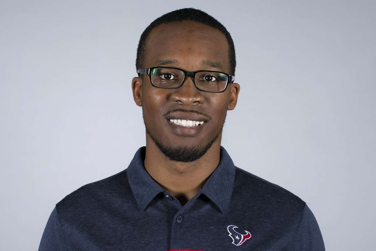Texans defensive assistant Deon Broomfield is heading back to his alma mater Iowa State to coach safeties.