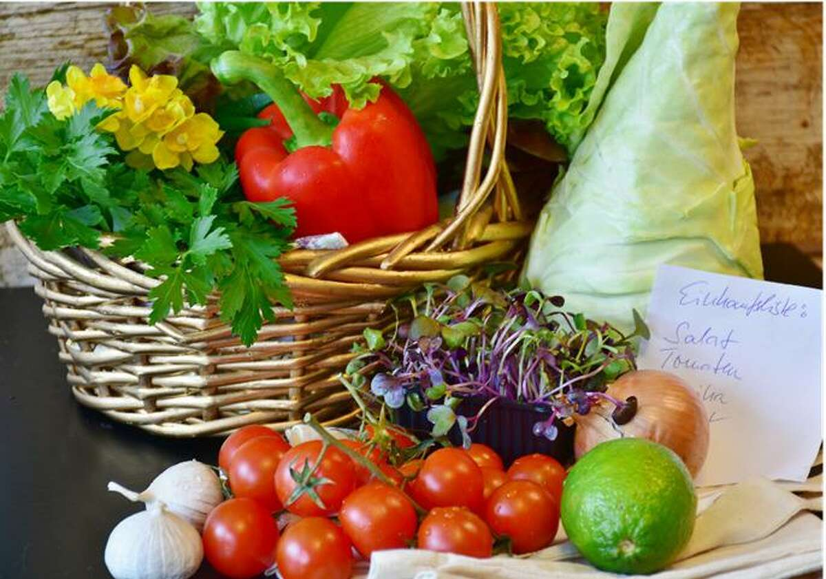 The kitchen gardening program will give advice on growing such vegetables as peppers, tomatoes and more.