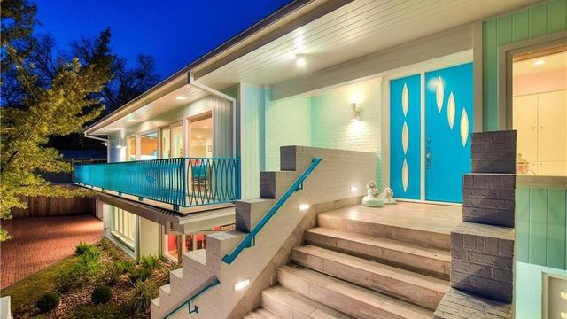 After Its High-Retro Restoration, This Marvelous Midcentury in Austin Is a Gem Box of Color thumbnail
