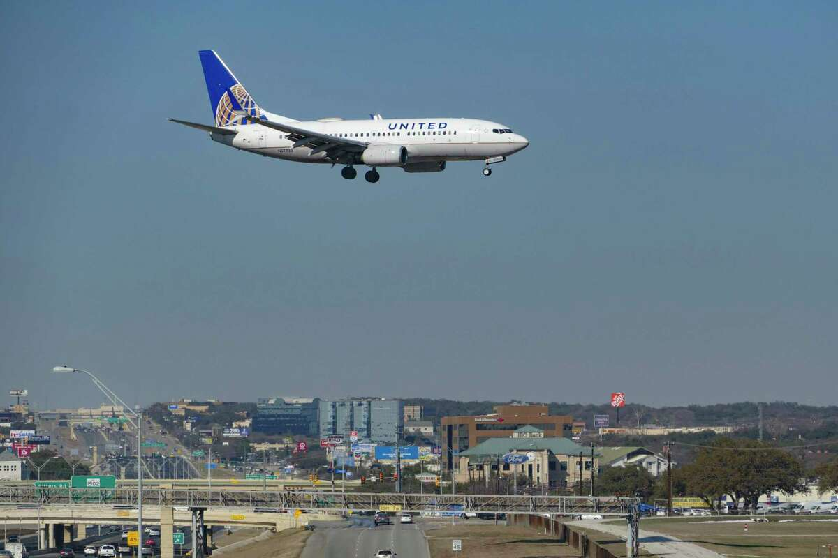A Continental Airlines jet approaches San Antonio International Airport.