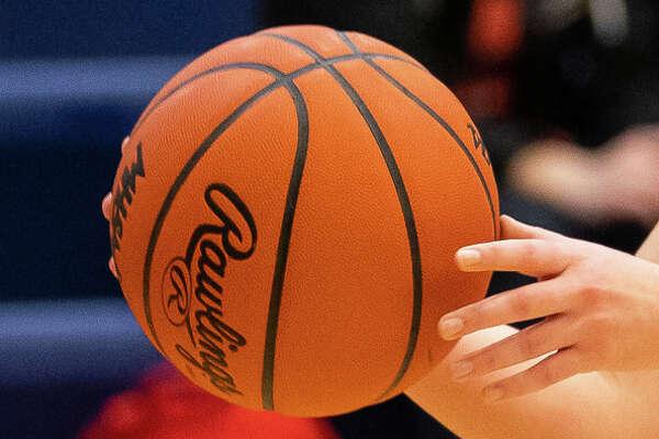 Prep basketball is heating up across the Thumb.