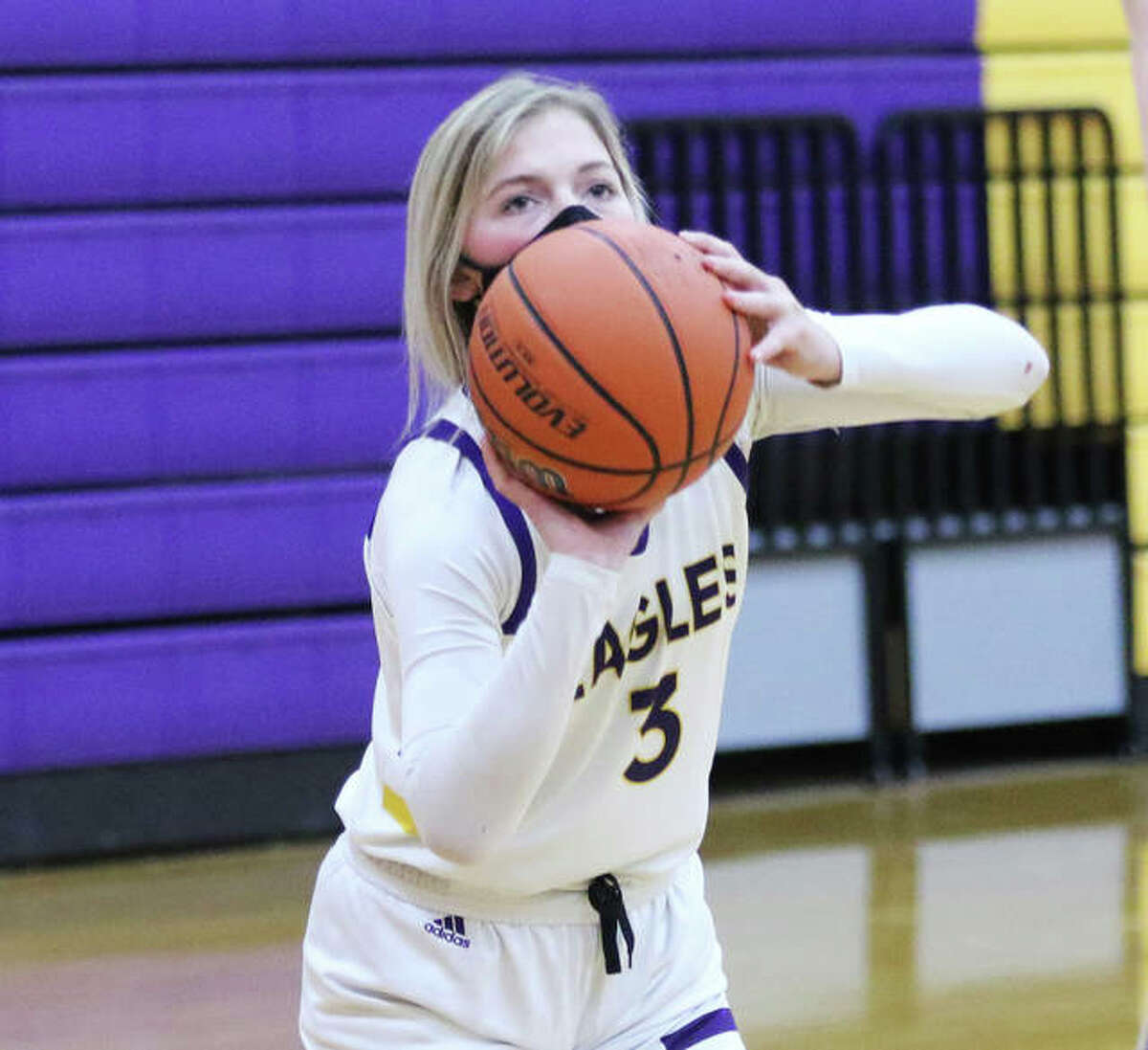 CM's Kelbie Zupan scored a career-high 20 points, including three 3-pointers, in the Eagles' MVC girls basketball victory Saturday in Waterloo.