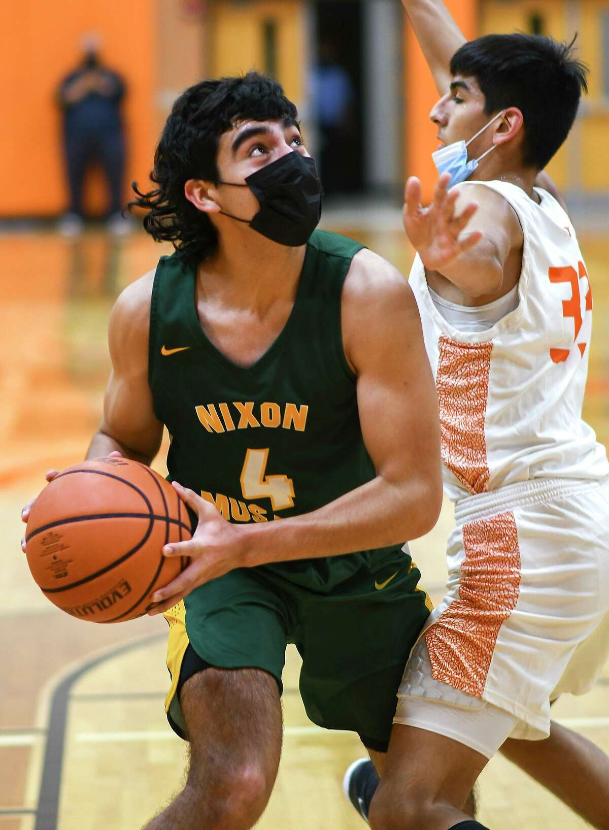 Juan Marines and the Nixon Mustangs will open the playoffs against No. 16 San Antonio O'Connor on Monday.