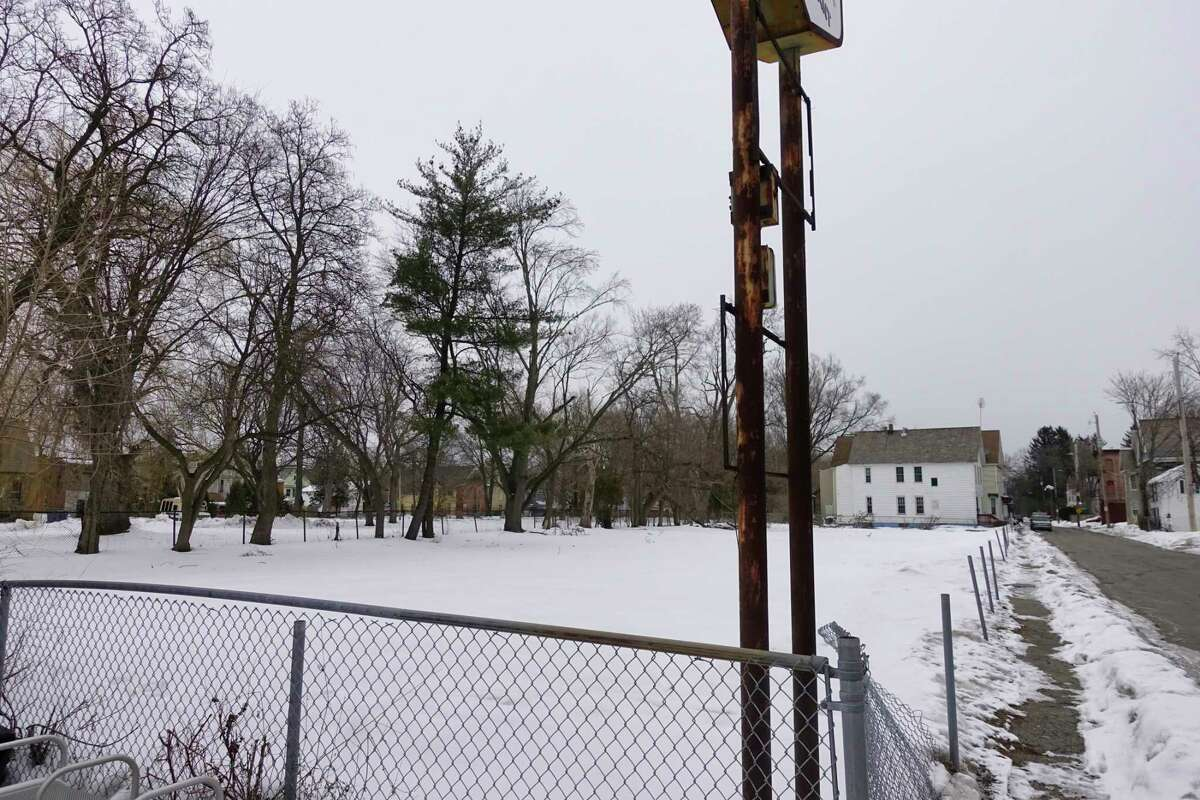 A view of a lot at 917 State St., on Monday, Feb. 22, 2021, in Schenectady, N.Y. This is the proposed location for a new Bethesda House shelter. (Paul Buckowski/Times Union)