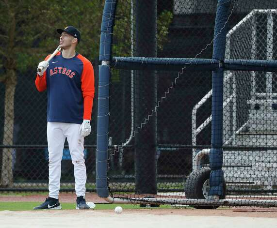 Houston Astros shortstop Carlos Correa waits his turn to hit during the first full squad workouts for the Astros, in West Palm Beach, Florida, Monday, February 22, 2021. Photo: Karen Warren, Staff Photographer / @2021 Houston Chronicle