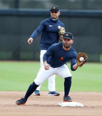 Houston Astros second baseman Jose Altuve catches a ball during a drill during the first full squad workouts for the Astros, in West Palm Beach, Florida, Monday, February 22, 2021. Photo: Karen Warren, Staff Photographer / @2021 Houston Chronicle