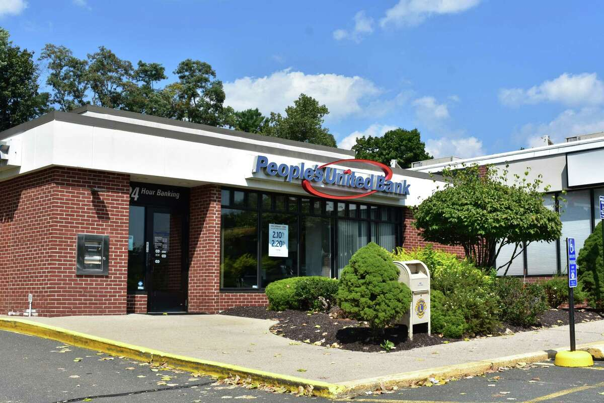 A People's United Bank branch at 293 Greenwood Ave. in Bethel, Conn.