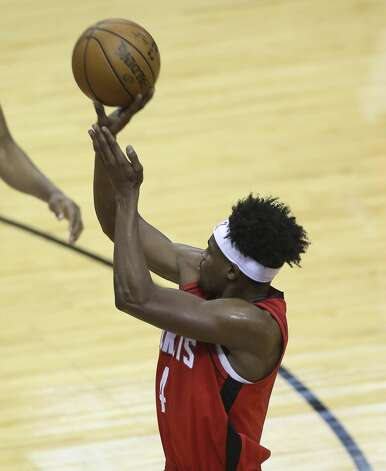 Houston Rockets forward Danuel House Jr. (4)scores a three point basket during the second quarter of a NBA game against the Chicago Bulls Monday, Feb. 22, 2021, at Toyota Center in Houston. Photo: Yi-Chin Lee/Staff Photographer / © 2021 Houston Chronicle
