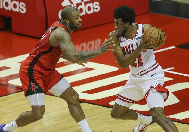 Houston Rockets forward P.J. Tucker (17) defensing Chicago Bulls forward Thaddeus Young (21) during the first quarter of a NBA game Monday, Feb. 22, 2021, at Toyota Center in Houston. Photo: Yi-Chin Lee/Staff Photographer / © 2021 Houston Chronicle