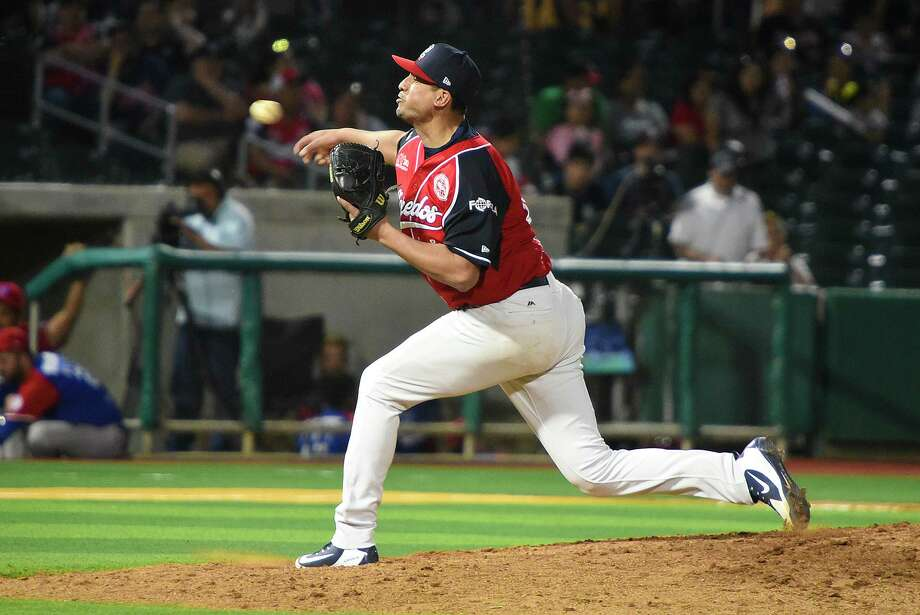 Pitcher Ivan Zavala is one of four players that the Tecolotes Dos Laredos is sending to Veracruz. Photo: Danny Zaragoza /Laredo Morning Times File / Laredo Morning Times