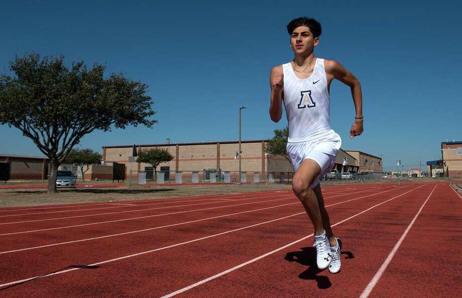 Alexander's Julian Verastegui Photo: Danny Zaragoza /Laredo Morning Times