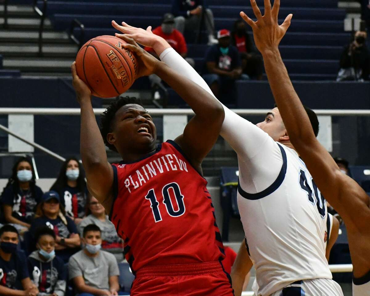 The Plainview Bulldogs suffered a season-ending 79-67 loss to El Paso Chapin in the area round of the Class 5A boys basketball playoffs on Monday at Fort Stockton.