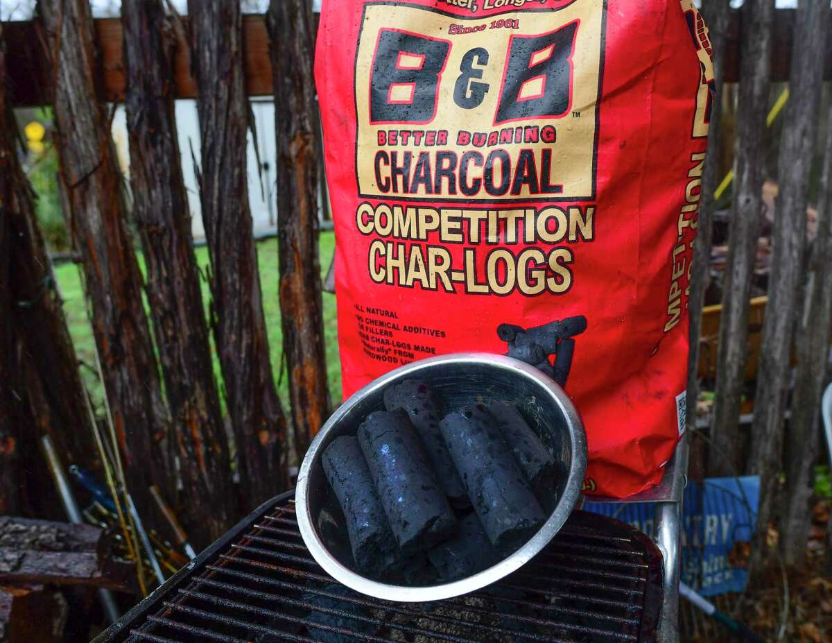 B&B Char-Logs consist of cylindrical shapes with a hole in the middle that allows it to burn for a long time.