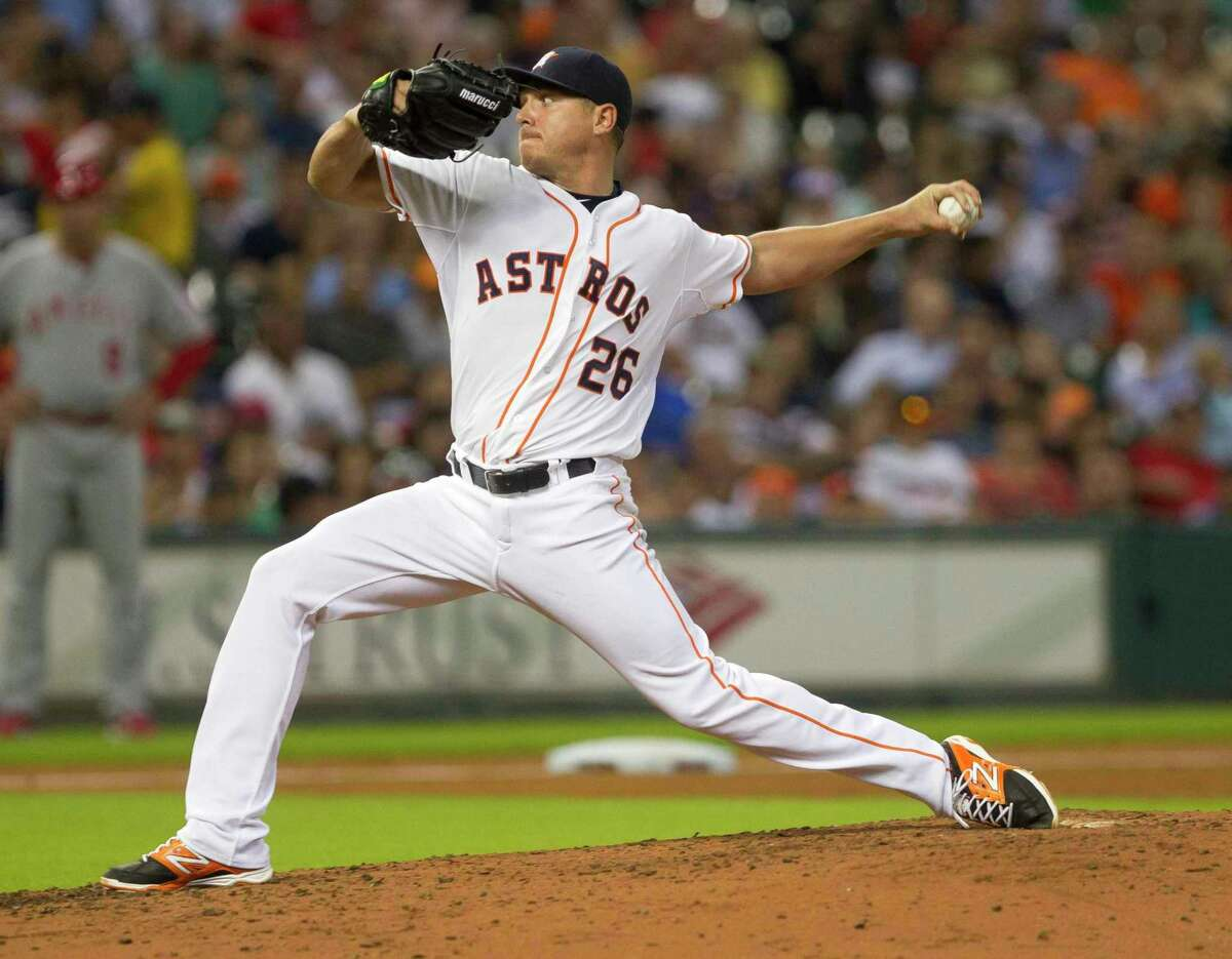 Scott Kazmir, who pitched for the Astros and A's in 2015, hasn't been in a major-league game since 2016. He has signed a minor-league deal with the Giants.