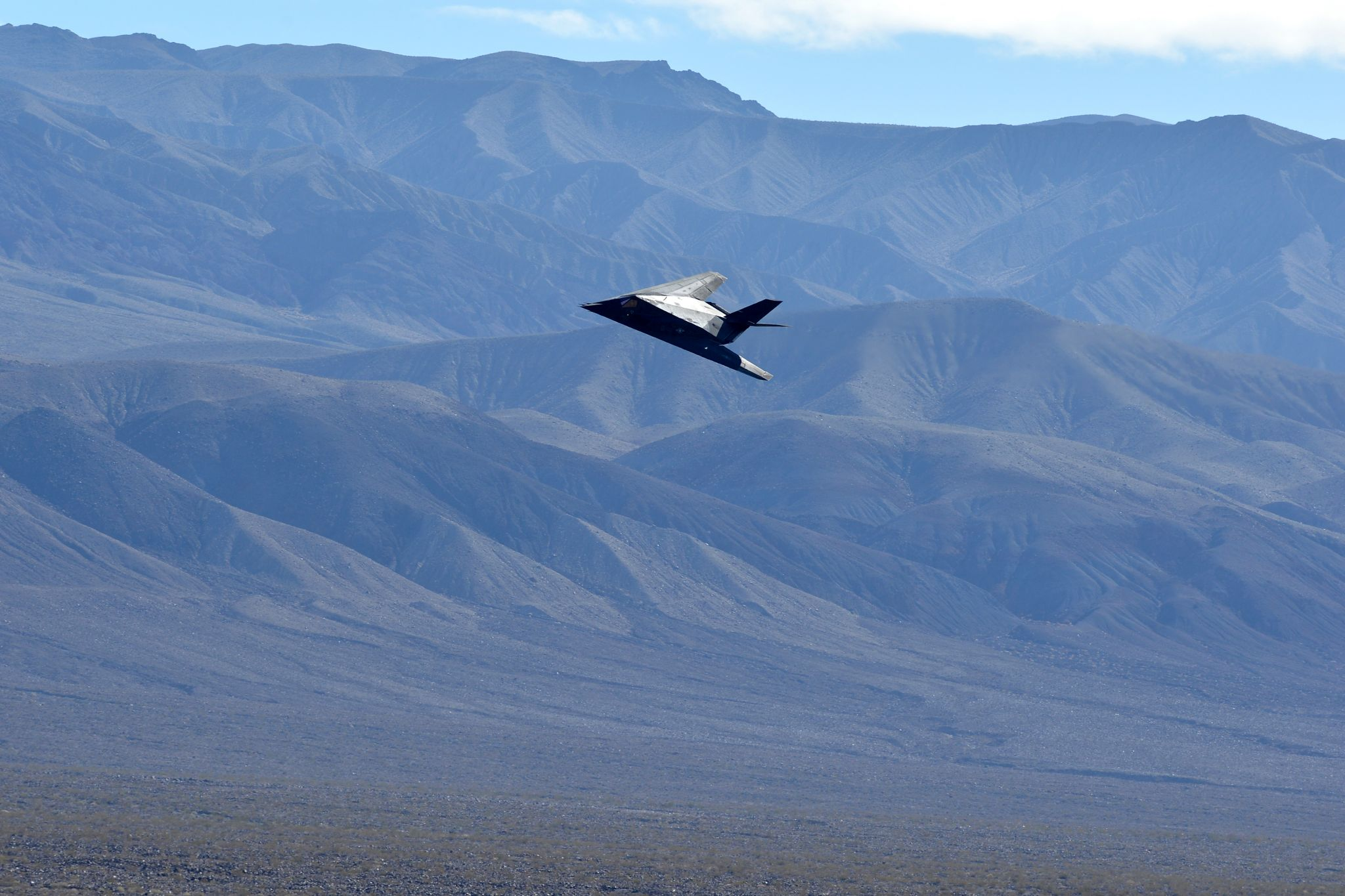 2 stealth fighter jets, long retired, seen flying over California