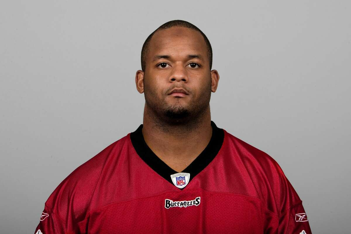 C.J. Leak, shown here in his playing days with Tampa Bay in 2007, was hired by the Texans in 2018.