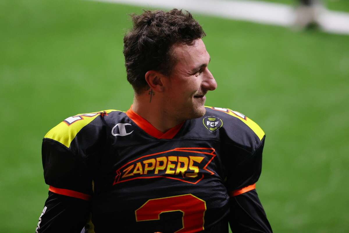Johnny Manzielof the Zappers warms up against the Glacier Boyz during a Fan Controlled Football game at Infinite Energy Arena on February 20, 2021 in Duluth, Georgia.