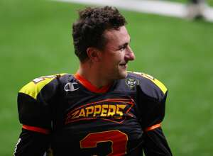 Johnny Manziel #2 of the Zappers warms up against the Glacier Boyz during a Fan Controlled Football game at Infinite Energy Arena on February 20, 2021 in Duluth, Georgia. (Photo by Kevin C. Cox/Fan Controlled Football/Getty Images)