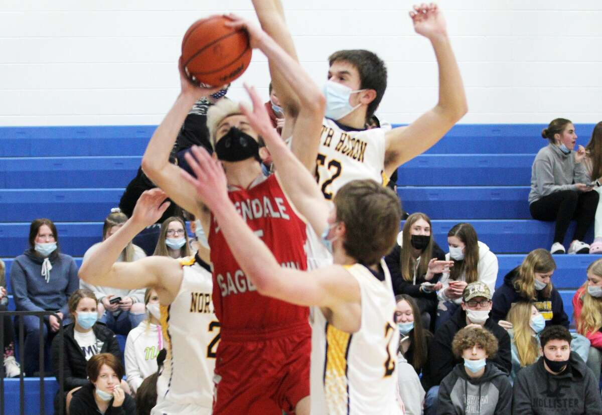 The North Huron boys basketball team ran past the Owendale-Gagetown Bulldogs on Tuesday night, 48-25.