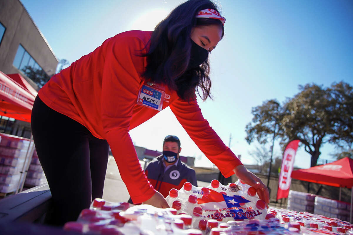 H-E-B is supporting the Texas food banks residents are leaning on in the wake of recent winter weather.