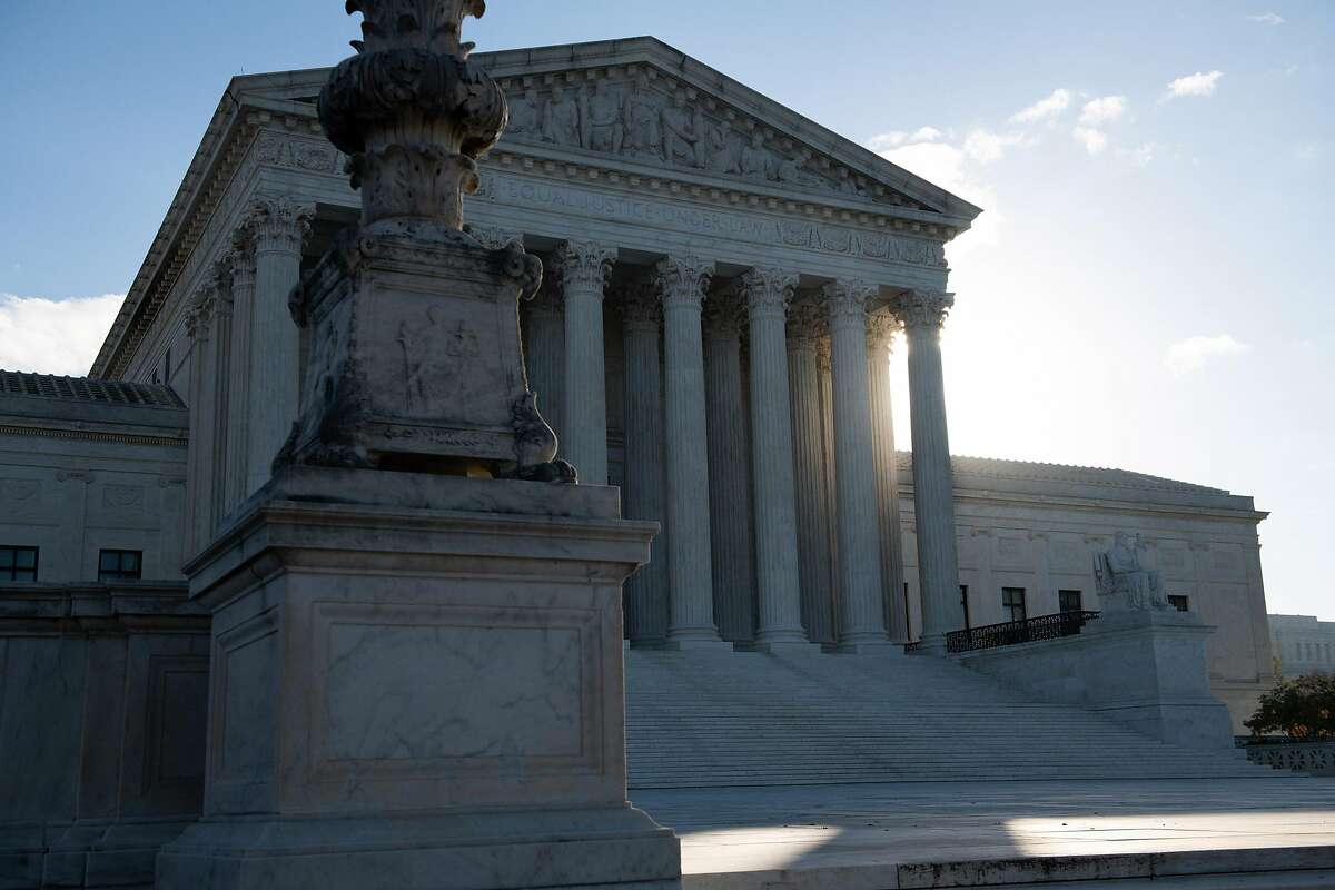 The Supreme Court seemed likely to allow police to enter a home without a warrant if they are pursuing a suspect, even for a minor crime, and the suspect continues to flee.