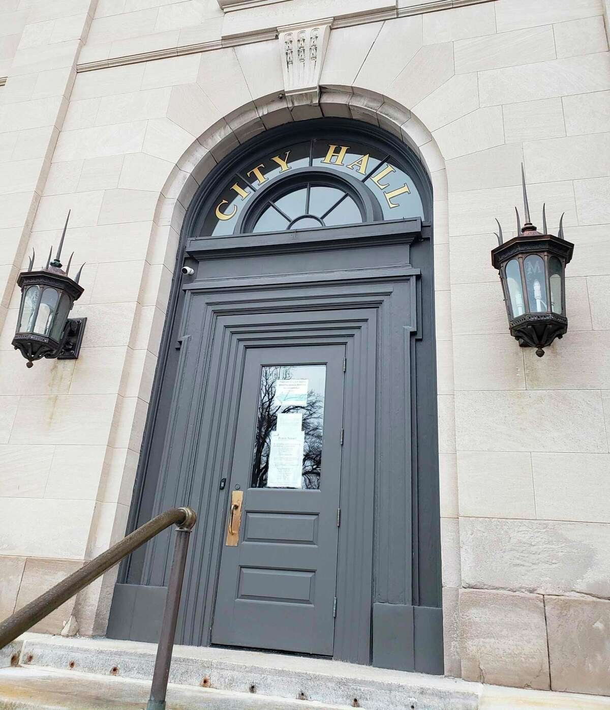 Manistee City Council voted unanimously to approve a $17,000 contract with the Michigan Municipal League to identifythe next city manager at its virtual special meeting on Tuesday. (File photo)