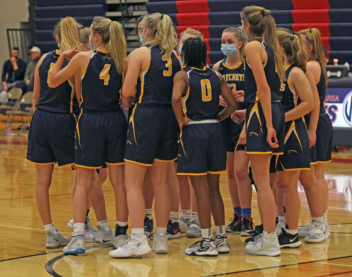 The Bad Axe girls basketball team won its fourth game in row and sixth game in seven tries on Friday night, beating the host Caro Tigers, 49-22.