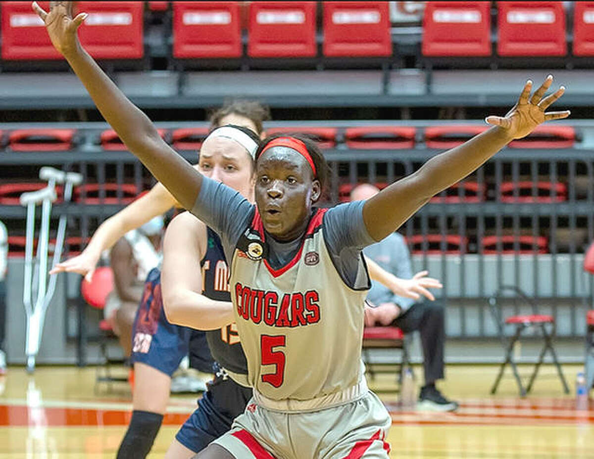 SIUE sophomore Ajulu Thath 16 points and seven rebounds Thursday, but the Cougars lost to UT Martin 68-52 at First Community Arena.