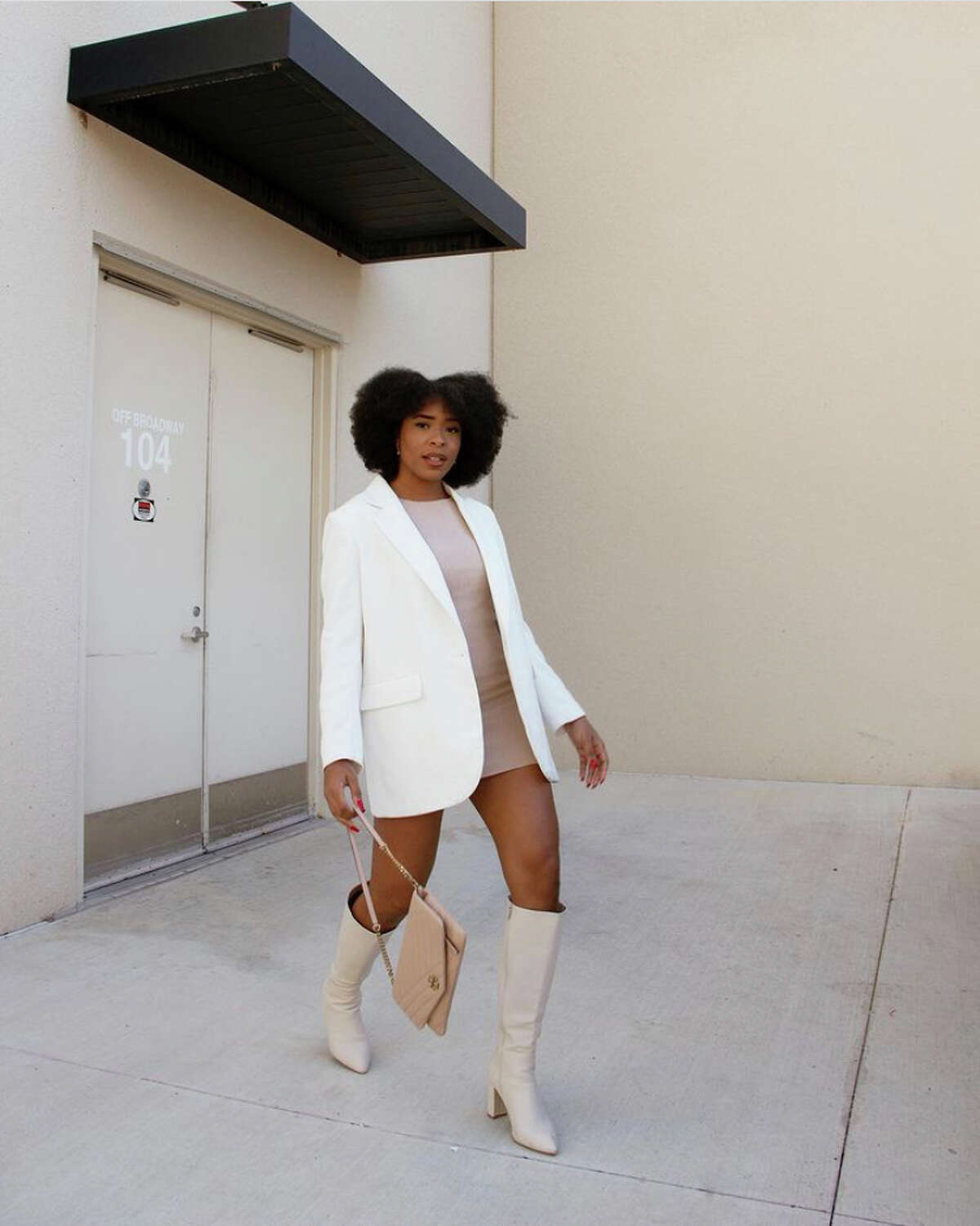 WHITE KNEE-HIGH BOOTS  We are bringing the 60s back! Just like Nancy Sinatra said,