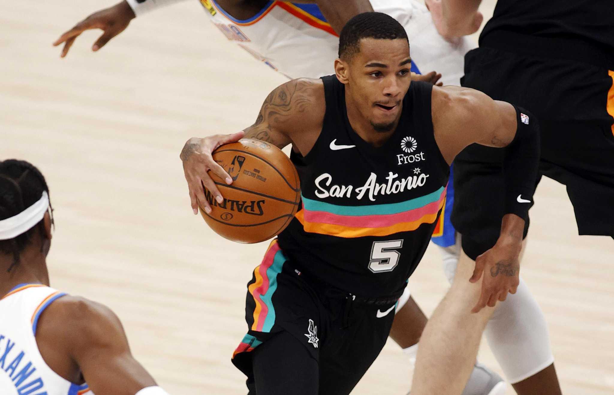 ESPN menempatkan Spurs di dekat peringkat terbawah di luar musim