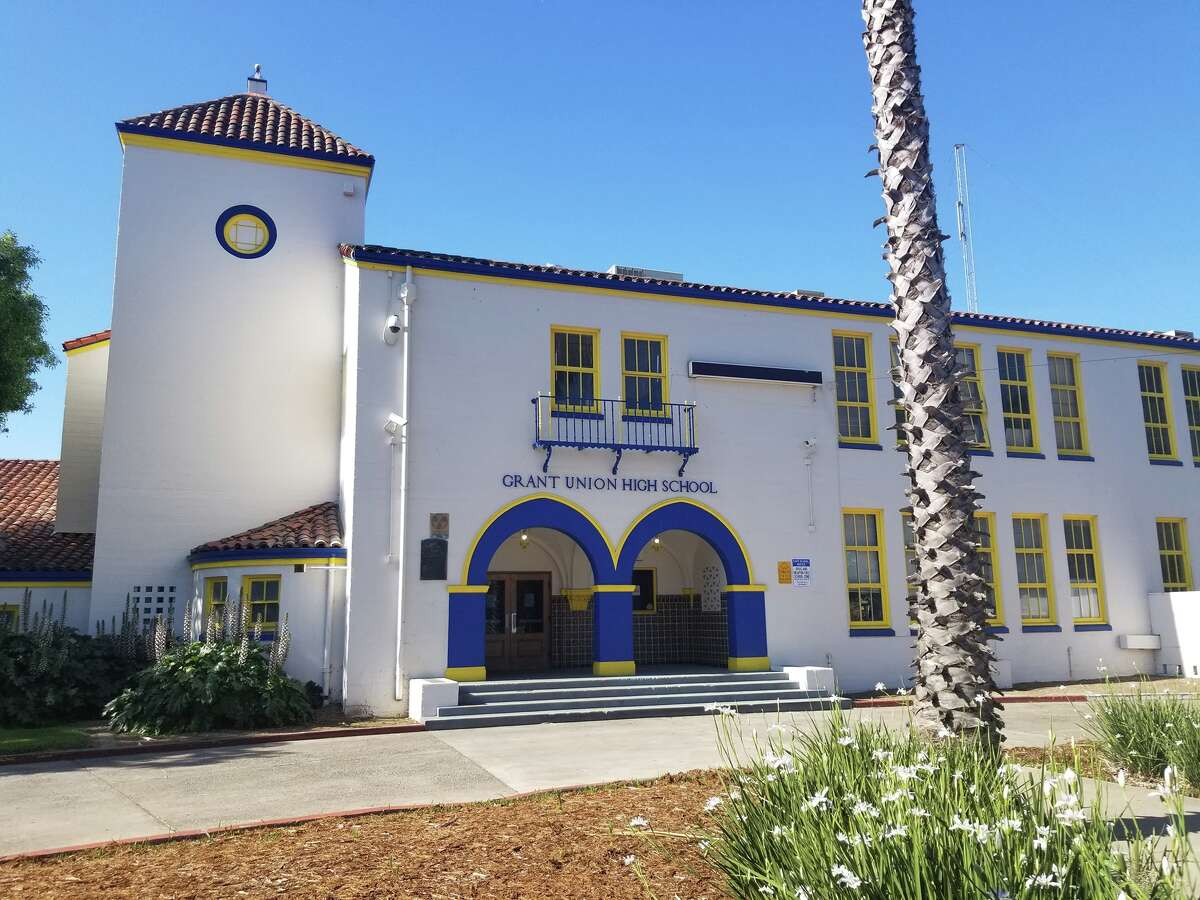 The entrance to Grant Union High School.