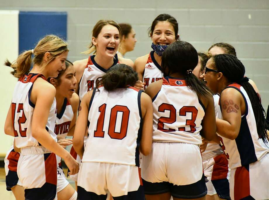 Plainview defeated Wichita Falls Rider 70-56 in the region semifinals of the Class 5A girls basketball playoffs on Saturday at Childress. Photo: Nathan Giese/Planview Herald