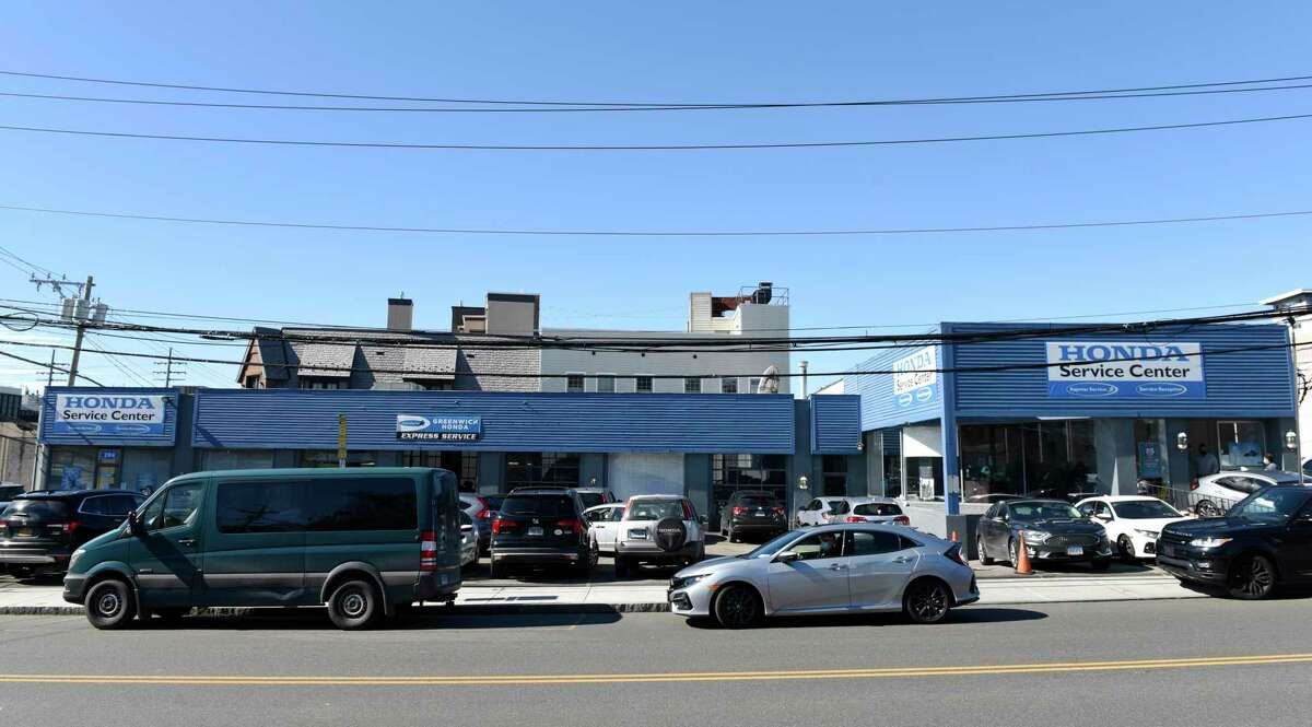 A four-story residential building has been proposed for lower Mason Street, the current site of a Honda dealership.