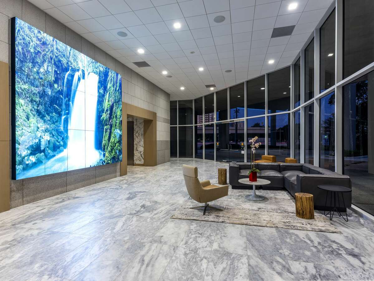 The lobby is among the common areas at 1177 W. Loop South to be renovated. The building is owned by Hicks Ventures and Taconic Capital.