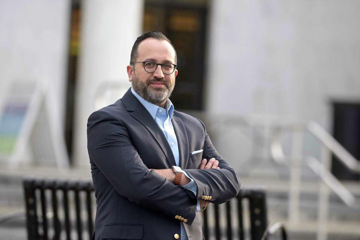 Democrat Roberto Alves is running for mayor of Danbury.