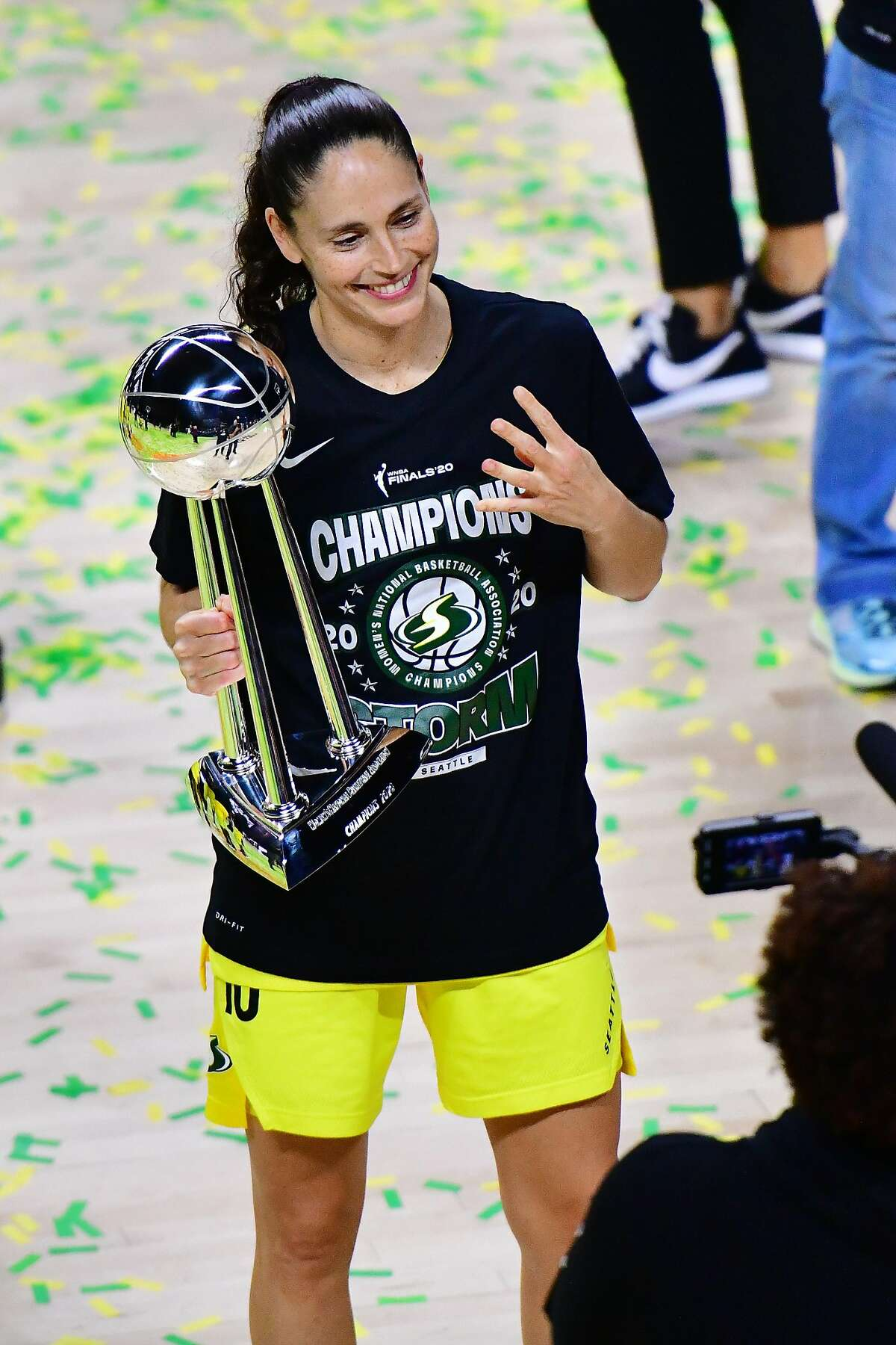 PALMETTO, FLORIDA - OCTOBER 06: Sue Bird #10 of the Seattle Storm celebrates after winning her fourth WNBA championship after defeating the Las Vegas Aces 92-59 during Game 3 of the WNBA Finals at Feld Entertainment Center on October 06, 2020 in Palmetto, Florida. NOTE TO USER: User expressly acknowledges and agrees that, by downloading and or using this photograph, User is consenting to the terms and conditions of the Getty Images License Agreement. (Photo by Julio Aguilar/Getty Images)