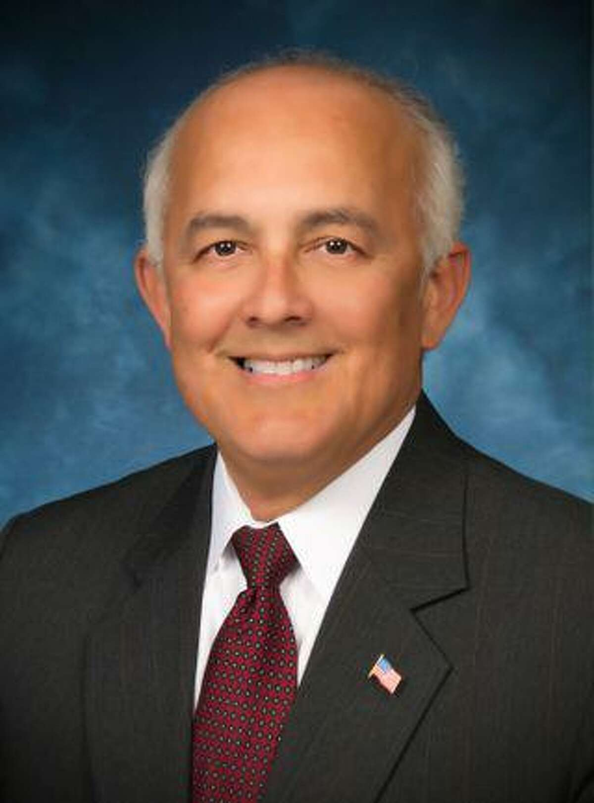 Long-time federal and state law enforcement official John Escoto is seekign a seat on the Shenandoh city council in the May 1 municipal elections. Escoto has lived in Shenandoah 10 years and is currently a member of the city's planning and zoning commission.