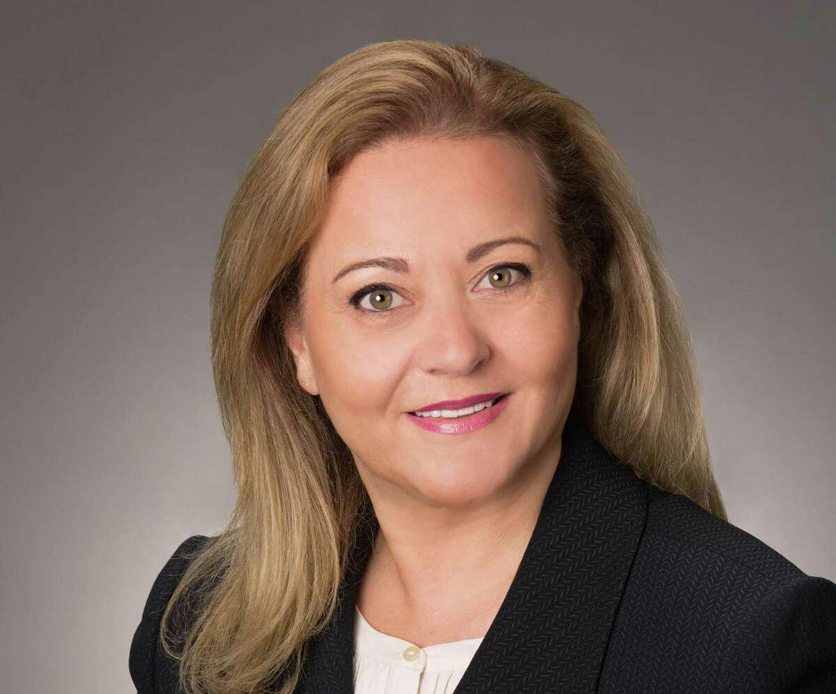 Houston resident and University of Houston graduate, Inas Aweidah, is Vice President and Senior Project Manager at AECOM, a global infrastructure consulting firm, and continues to be a trailblazer in her field, thriving in a male-dominated industry for nearly 30 years