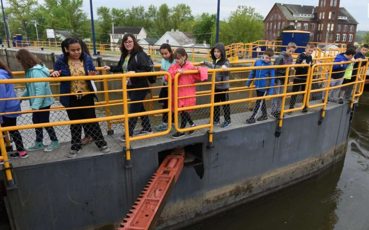 The Cuomo Administration has a plan to set up a public authority or trust to help get donations and private investment in the state canal system.