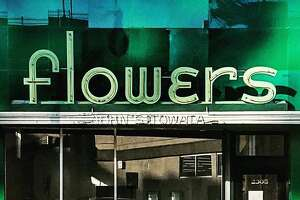 More than a decade after the Towata Flower Shop in Alameda shut down, its stunning neon sign remains. (Photo:  Kasey Smith / Instagram)