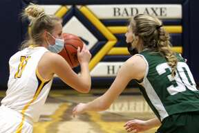 The Bad Axe girls basketball team won its sixth in a row and eight game in nine tries on Wednesday night as the Hatchets powered past visiting Laker, 52-37.