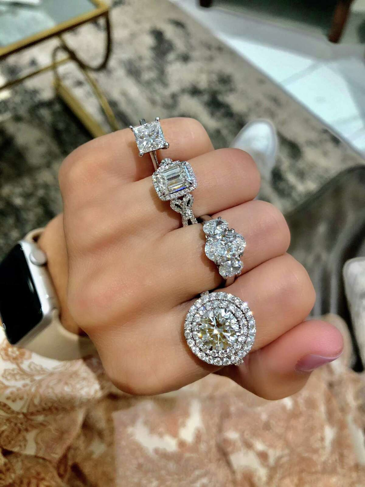Diamonds Direct, a global diamond importer, has opened their first Houston location in Uptown at 3115 West Loop South.