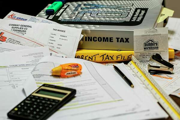 Local agencies in Benzie and Manistee can help people get free tax preparation assistance. (Courtesy Photo/Pixabay)