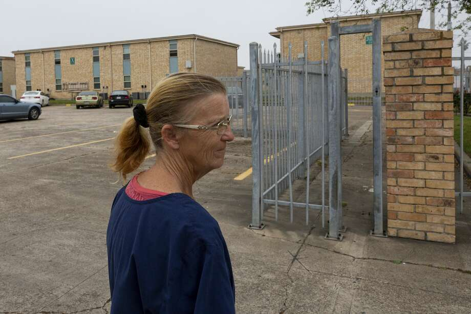 Tina Harris wants to move out of Sandpiper Cove with her daughter, Aaliyah. But they can't afford rent anywhere else in Galveston. Photo: Godofredo A. Vásquez/Staff Photographer / © 2020 Houston Chronicle