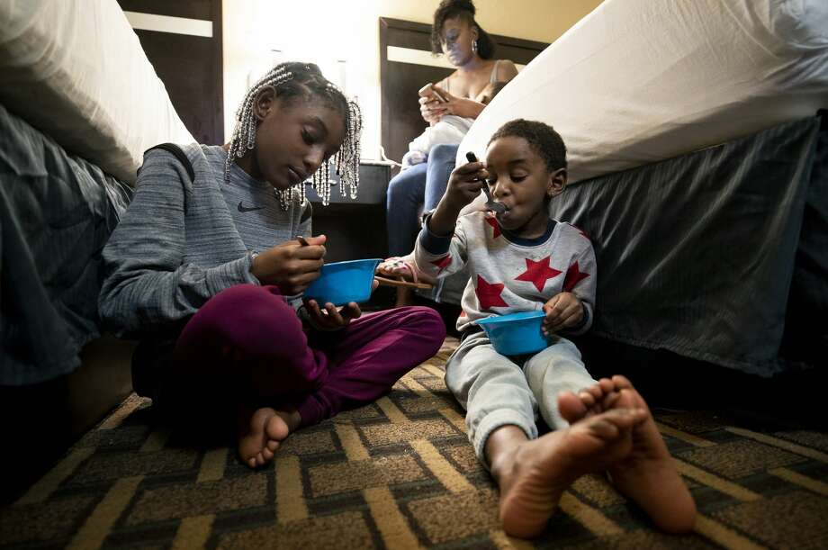 When Nyviana Stukes, left, was 8 years old, she told her mother, Crystal Lewis, that she did not want to go to school any more because kids teased her about living in Stonybrook. Photo: Godofredo A. Vásquez/Staff Photographer / ? 2020 Houston Chronicle